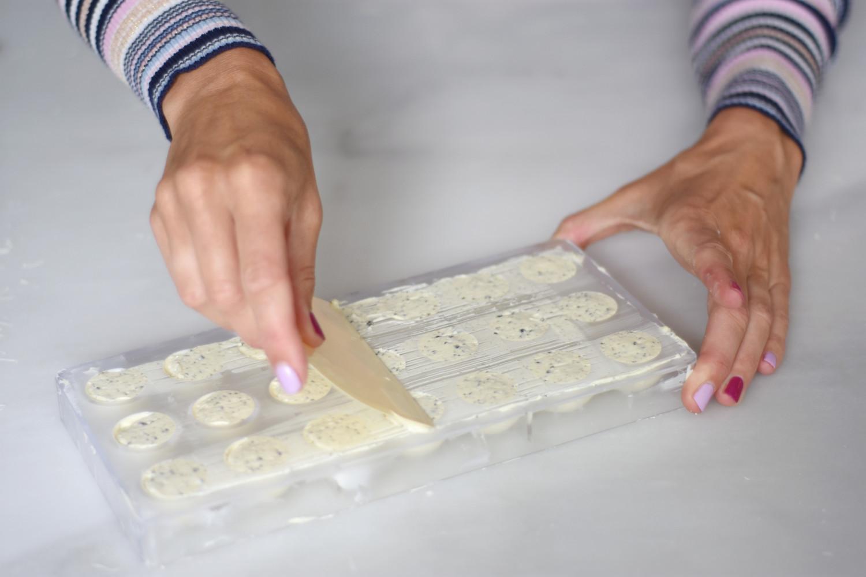 hvid-chokolade-tyrkisk-peber-pistacienodder-annemette-voss-callebaut-14
