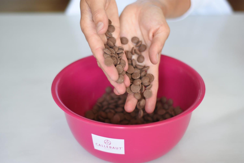 temperering-af-lys-chokolade-annemette-voss-callebaut-2