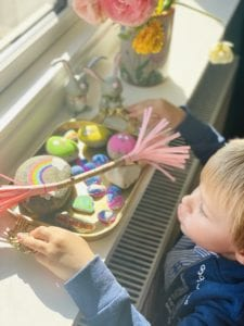 DIY påskepynt Pjuskebakker og pyntepinde