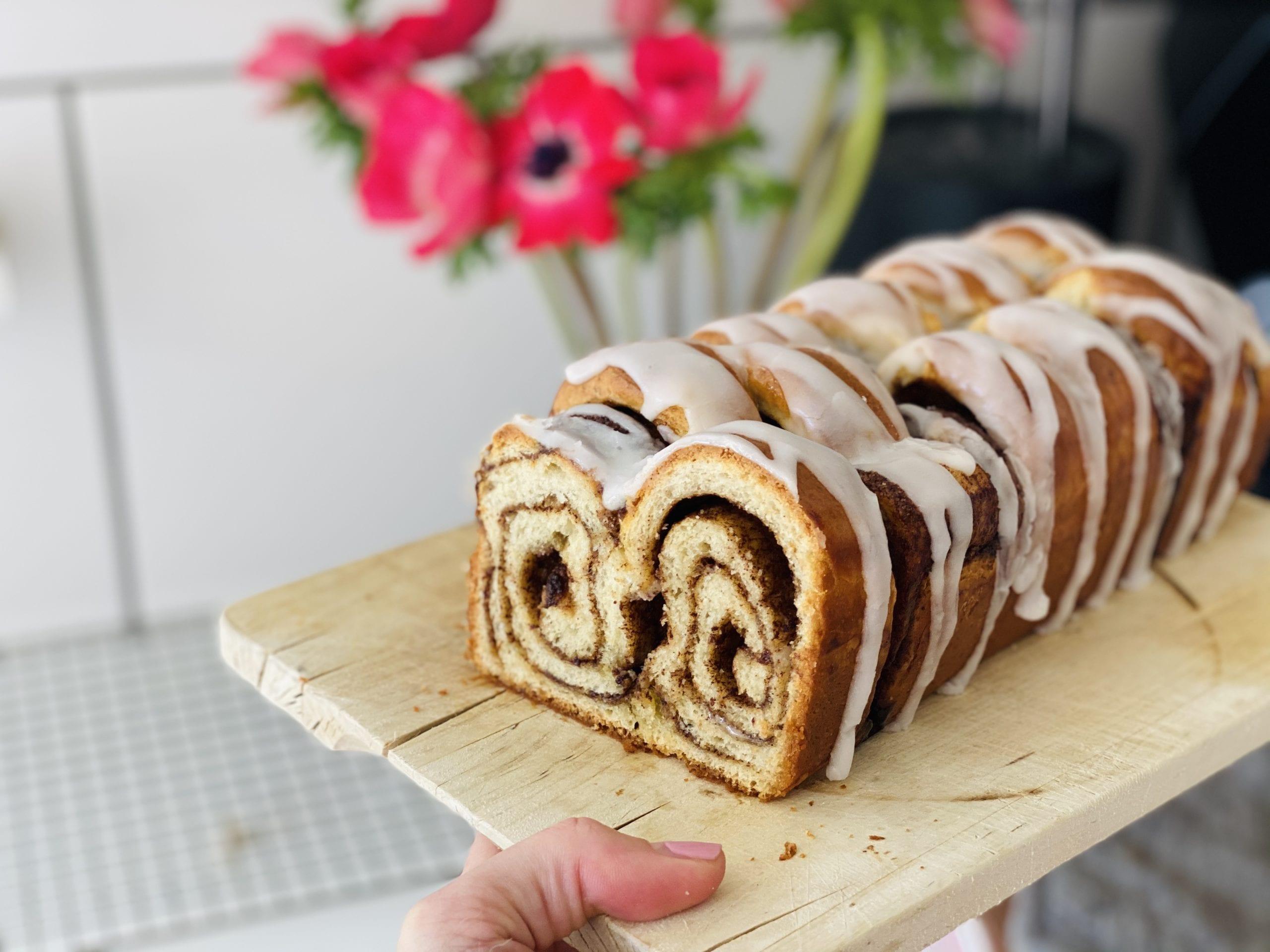 Snasket lækkert kanelbrød med glasur